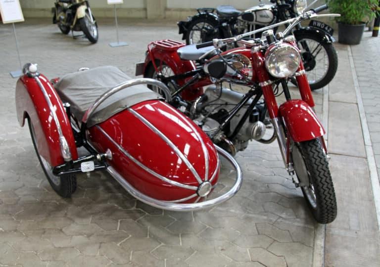 Le side-car : entre voiture et moto