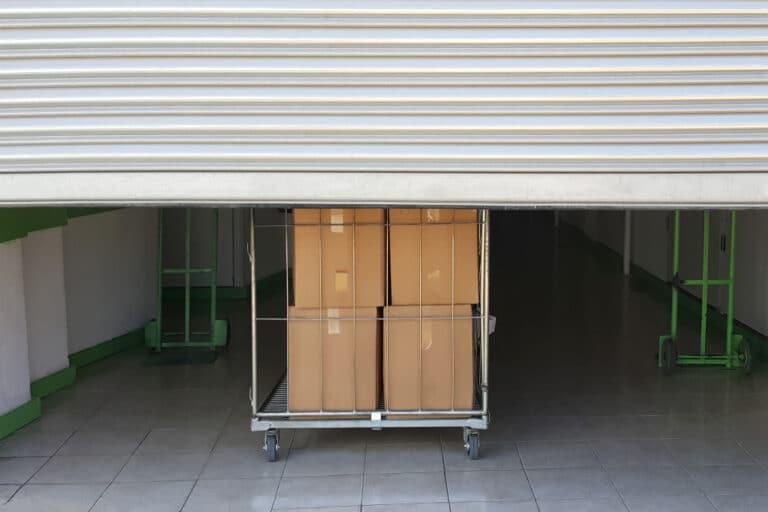 Professionnels : Comment le garde-meuble peut être utile?