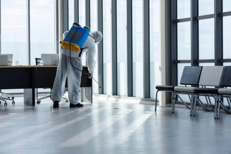 Quelles sont les étapes d'un grand nettoyage de bureau ?